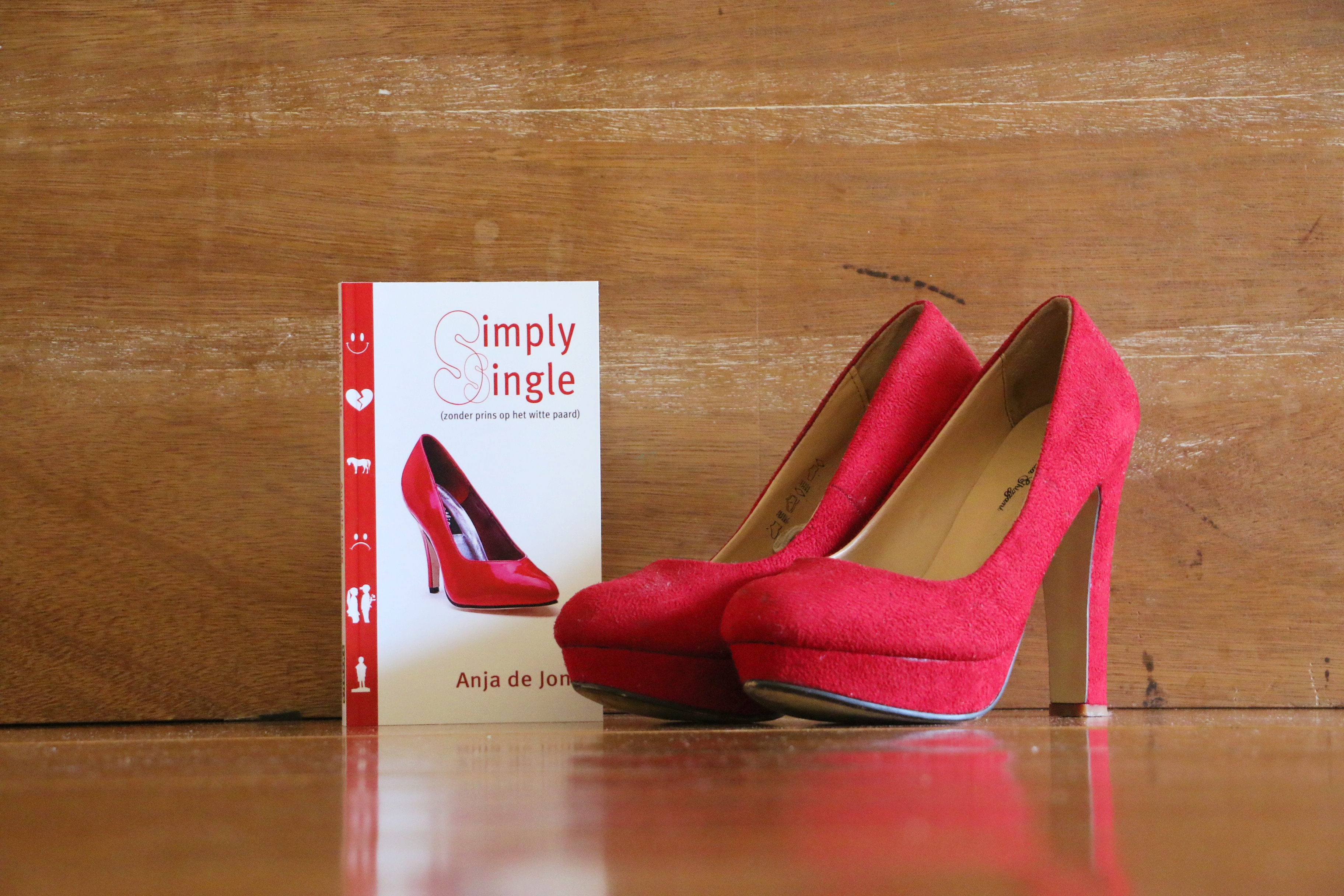 Lees Simply Single van Anja de Jong